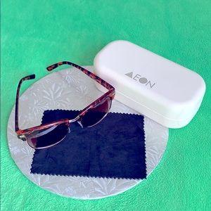 AEON Attire set:sunglasses, hard case, wipe cloth